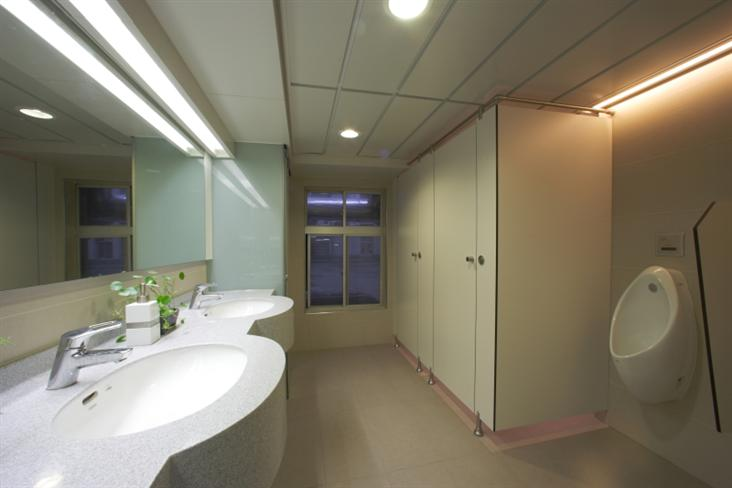 嘉新大樓公共廁所設計案
